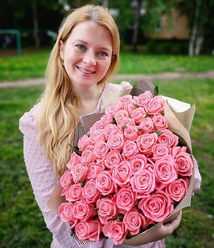 Улыбчивая и солнечная. Екатерина Копанова снова мама. Когда она все это успевает.